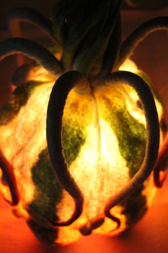 Ananelone leuchtet Detail 1